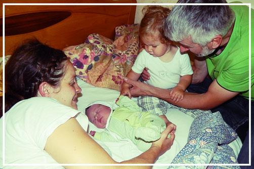 Hausgeburtsfamilie mit Betreuung durch Hebamme Katharina Butolen