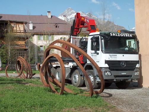 Salzgeber Holzbau S-chanf | Salzgeber Marangun S-chanf | Holzbau | Marangun | Transporte | Kranarbeiten | Mercedes Actros 3248-2 | Mercedes | Mercedes Actros | Kran | Betonmischer | Kipper | Hakengerät