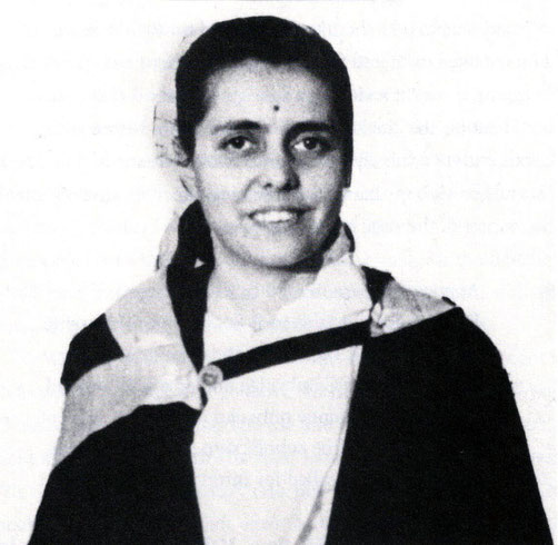 1954 : Najoo's graduation photo from Delhi University, Baccalaurate in Nursing ( Honours )