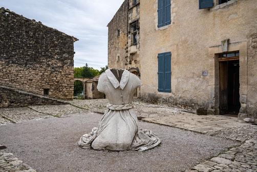 Bild: Mane mit Prieuré de Salagnon im Département Alpes de Haut Provence