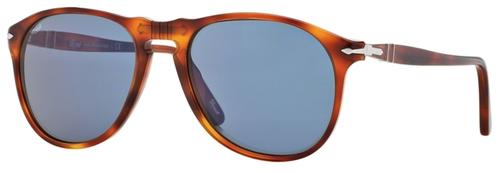 Occhiali da sole uomo Persol Modello: 9649S. Colore: 96/56 tartarugato. Colore lenti: blu. Calibro 52-18, 55-18. Forma: Pilot. Materiale: plastica. Protezione UV 100%