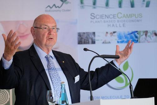 Dr. Christian Patermann bei einer Rede auf der Bioökonomie-Tagung