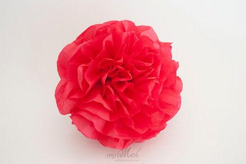 pompon-seda-rojo