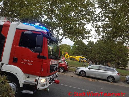 Feuerwehr, Blaulicht, Berufsfeuerwehr Wien, Wiederbelebung, First Responder, Liesing