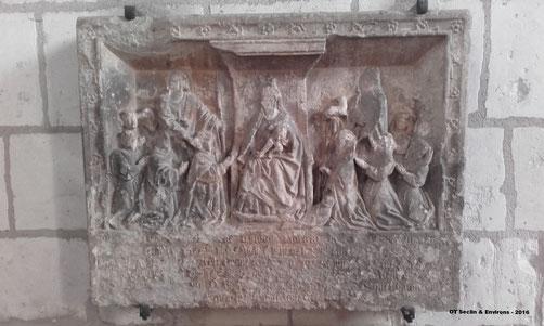 Sainghin en Mélantois - Bas-relief / Vierge en Majesté - XVe siècle (crédit : Office de Tourisme Seclin & Environs)