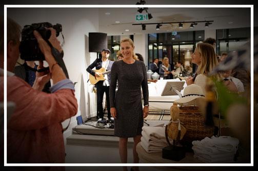 Bete ich? Bettina Wulff und ich auf dem Opening des YARGICI-Stores in Hamburg