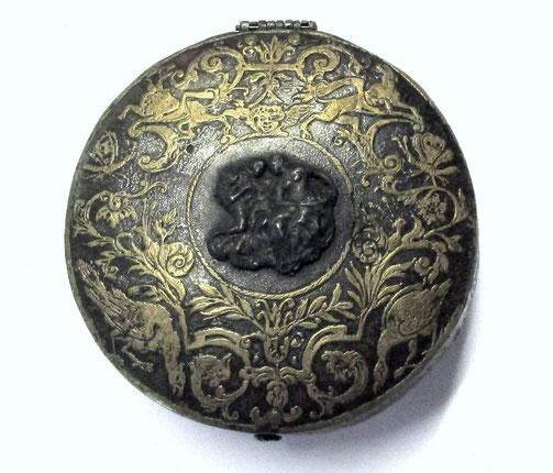 Tabakdose aus dem Jahr 1630 Email