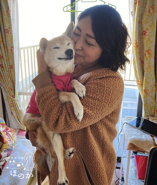 施術の感想 イメージ写真 元気を取り戻した犬と飼い主