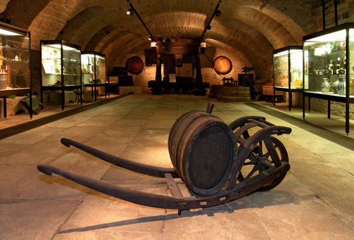 Die Sammlung über den Weinbau findet sich stilgerecht im Weinkeller des Hauses Catoir.