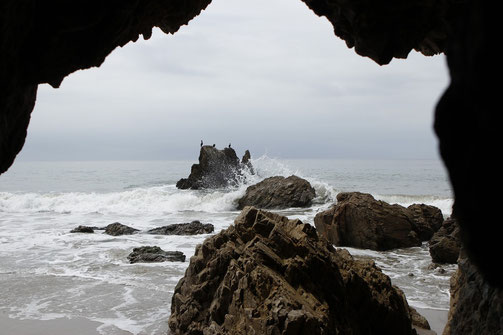 Strand in Malibu, Wildvögel, Wellen, Highway 1, Kalifornien