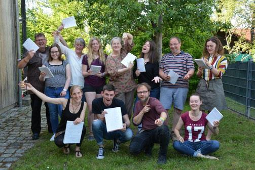 Die Teilnehmer*innen des Schreib-Workshops am 1. Juni erlebten einen tollen Tag voll mit Inspiration, Ideen und Lust am Schreiben.
