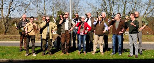 Die Bläsergemeinschaft eröffnet mit einigen Jagdsignalen, die es zu erraten gilt