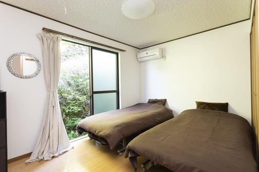 Room 1 (East)