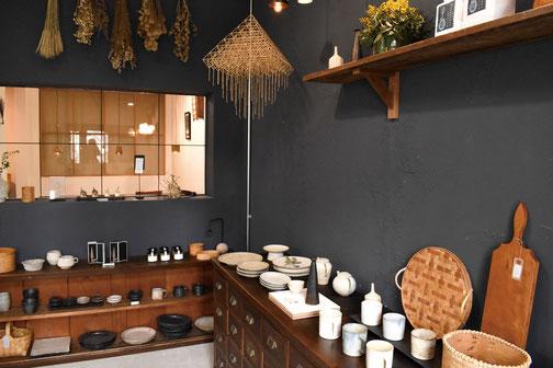 スイノカゴ 喫茶 木と星