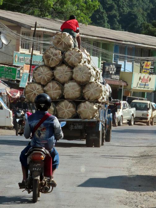 auf der Strasse nach Loikaw