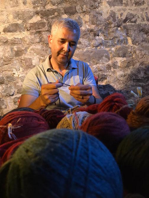 Restauro tappeti persiani a Buja, sig. zarepour titolare