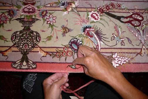 Riparazione bordo tappeto extra fine lana e seta Pordenone