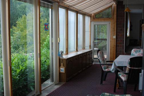 Ihr Wintergarten mit Blick auf Ihre Terasse und in unserer Garten