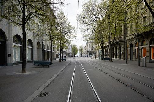 leere Züricher Bahnhofstrasse