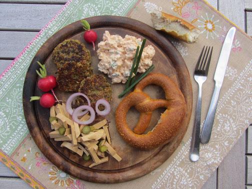 Veggie-Brotzeit / Veggierezept zum Oktoberfest