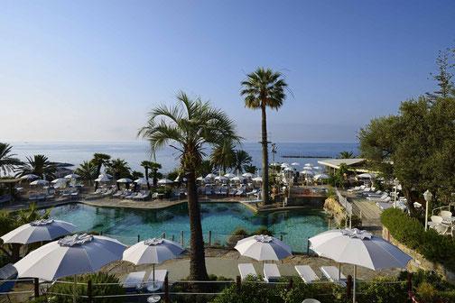 Golfreise Italien Golfpaket Golf Ferien Reisen Golfhotel Ligurien Riviera  Olivenöl Weingut Grand Hotel Luxus