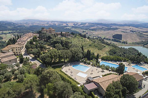 Golfreise Italien Golfpaket Golf Ferien Reisen Golfhotel Toskana Olivenöl Weingut Pisa Strand inklusive Pool Golf vor Ort