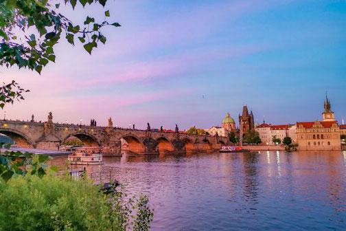 Prag, Moldau, Karlsbrücke, Die Traumreiser