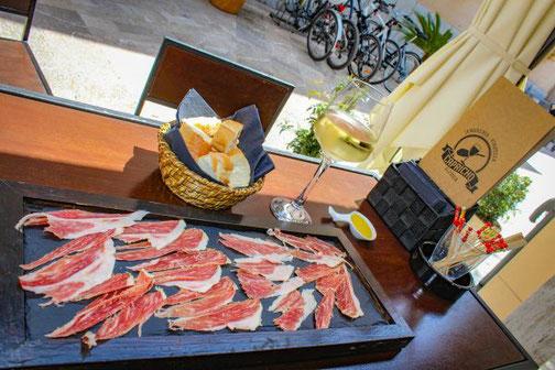 Mallorca, Spanien, Balearen, Reisetipps, Highlights, Die Traumreiser, Jamon, Schinken