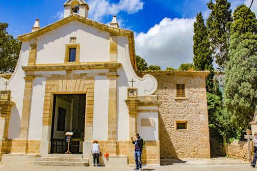 Mallorca, Spanien, Balearen, Reisetipps, Highlights, Die Traumreiser, Pollenca, Kirche, Iglesia