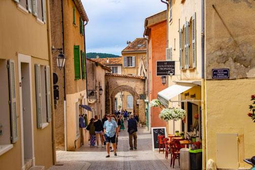 Côte D'Azur, Frankreich, Französische Riviera, Die Traumreiser,  Saint-Tropez, Altstadt, Gassen
