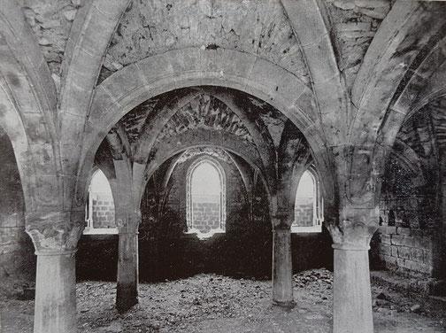 1925,  Kapitelsaal mit Sand verfüllt Blickrichtung nach Osten, Bild: Edmund Haussen