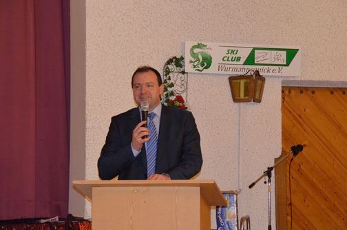 Landrat Michael Fahmüller bei seiner Ansprache zur Kreismeisterschaft