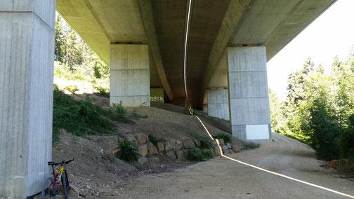 Die Franzosenbrücke (Autobahn A8 in Richtung Stuttgart, nach Gruibingen)