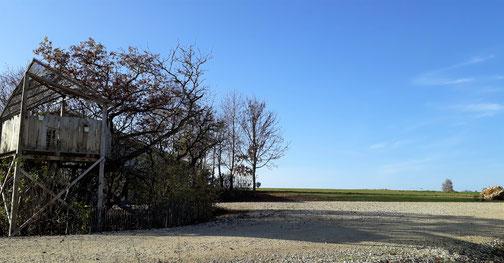 Auf dem Bild ist der Machtolsheimer Wasserturm zu sehen - im Hintergrund...