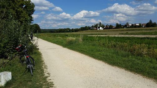 Bad Abbach - Regensburg - Speicher füllen - und zurückr Radweg ist meist geschottert...