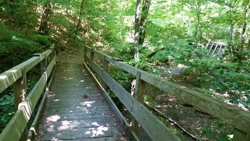 Über diese Brücke fahre ich nicht mehr - das endet in einer Sackgasse (oder Schiebepassage)...
