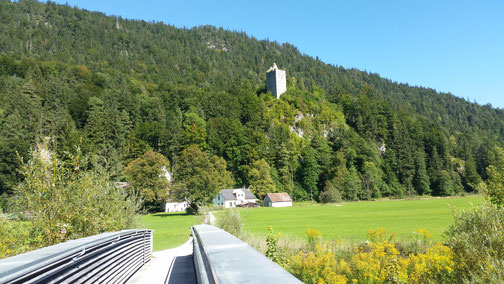 Blick auf die Burgruine Vilseck...