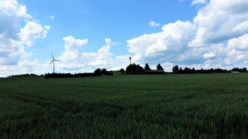 In der Mitte der Funkturm von Aufhausen...