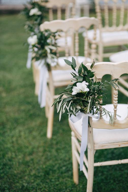 Addobbi floreali matrimonio sedie
