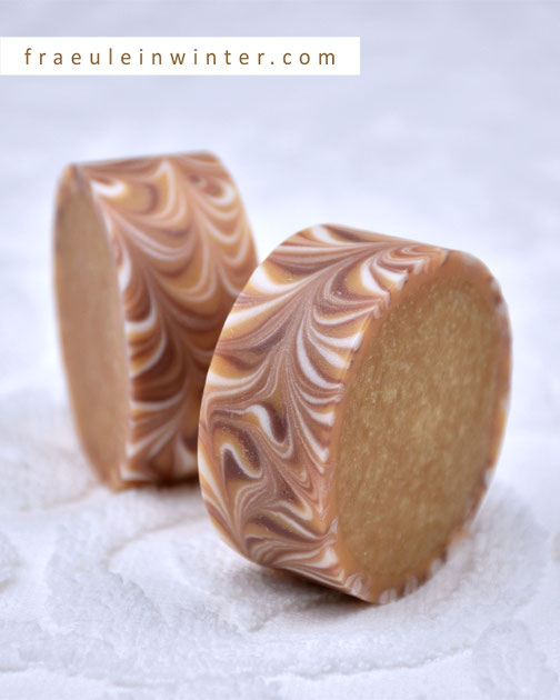 Handgemachte Seife. Rimmed Soap. | Fraeulein Winter