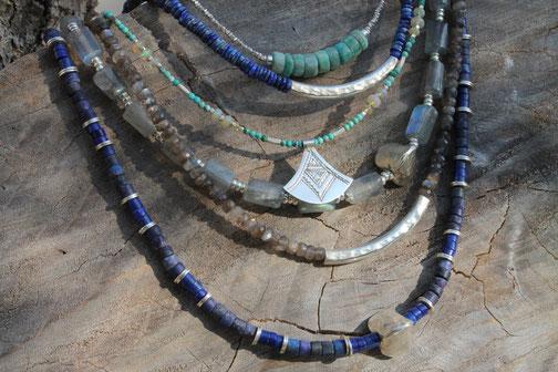 colliers ethniques en pierres naturelles , perles et argent