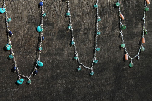 colliers fins chaîne argent et pierres naturelles