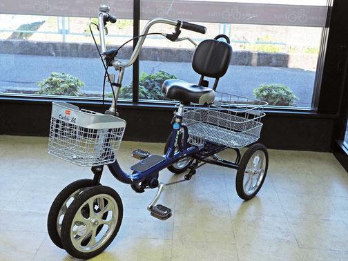 高齢者向け四輪車