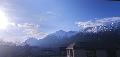 Unser Blick auf Tirols Bergwelt - so lässt sich's noch besser tanzen und arbeiten