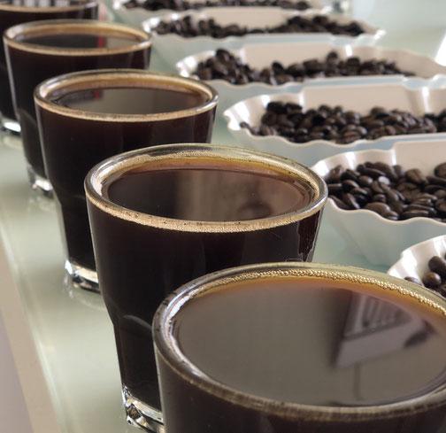 Wie macht man ein Kaffee cupping - kaffeemanufaktur ...