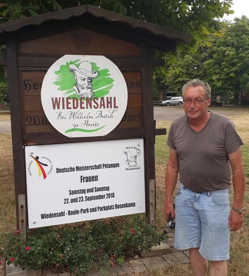 Noch 6 Wochen, dann beginnt die DM Frauen bei uns in Wiedensahl. An den Ortseingängen weisen Schilder ab sofort darauf hin.