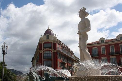 Statue d'Appolon à  Nice