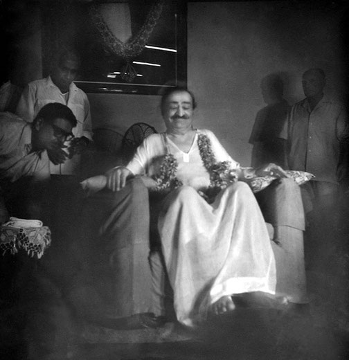 Poona Centre :  ( L-R ) Eruch Jessawala, Adi K. Irani & Francis Brabazon behind Baba. Courtesy of the Sriramamoorthy Collection @ AMBCCPT, INDIA