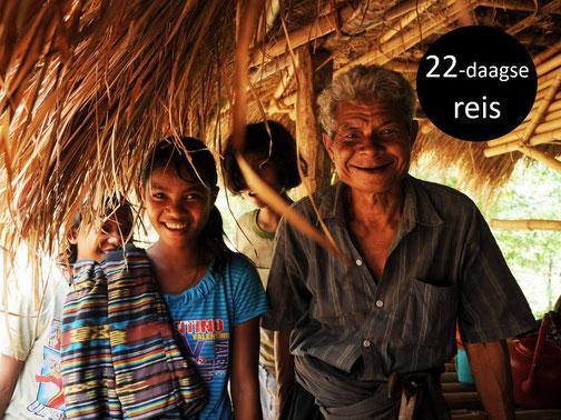 Lachende lokale bevolking op Sumba