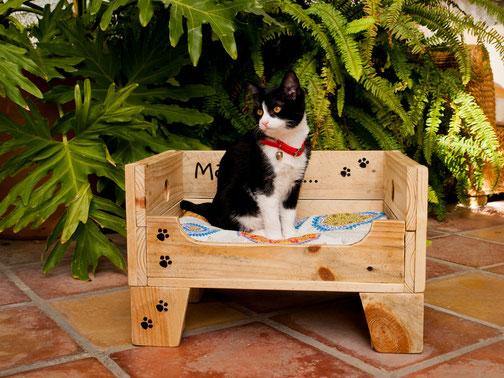 Cama para gatos Momo. Repuntomadera.